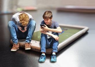 Dezvoltarea funcțională a copiilor implică timp de calitate petrecut împreună cu familia și cu prietenii